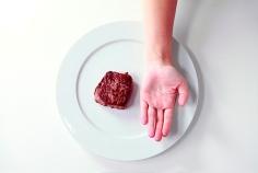 fbc3b-precision-nutrition_palm-sized-portions_steak-example_female